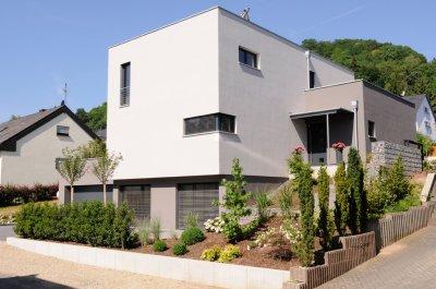 Neubau einfamilienholzhaus im bauhausstil der holzbau schweiz - Holzhaus bauhausstil ...